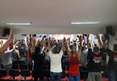 Em assembleia, trabalhadores aprovam Comunicado de Greve