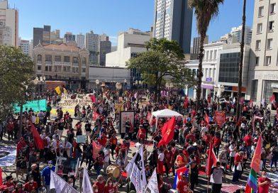 NOVAMENTE CENTENAS DE MILHARES OCUPAM AS RUAS NO BRASIL EXIGINDO O FIM DESSE GOVERNO DA MORTE